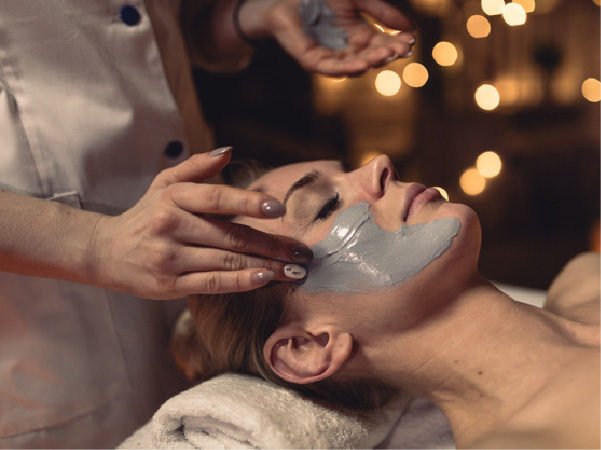 estetica facial y masaje rejuvenecedor